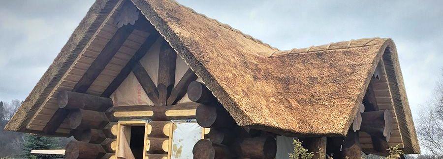 Крыша бани из камыша